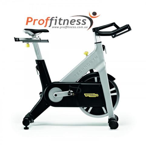 Профессиональный велотренажер Technogym Group Cycle Spin Bike