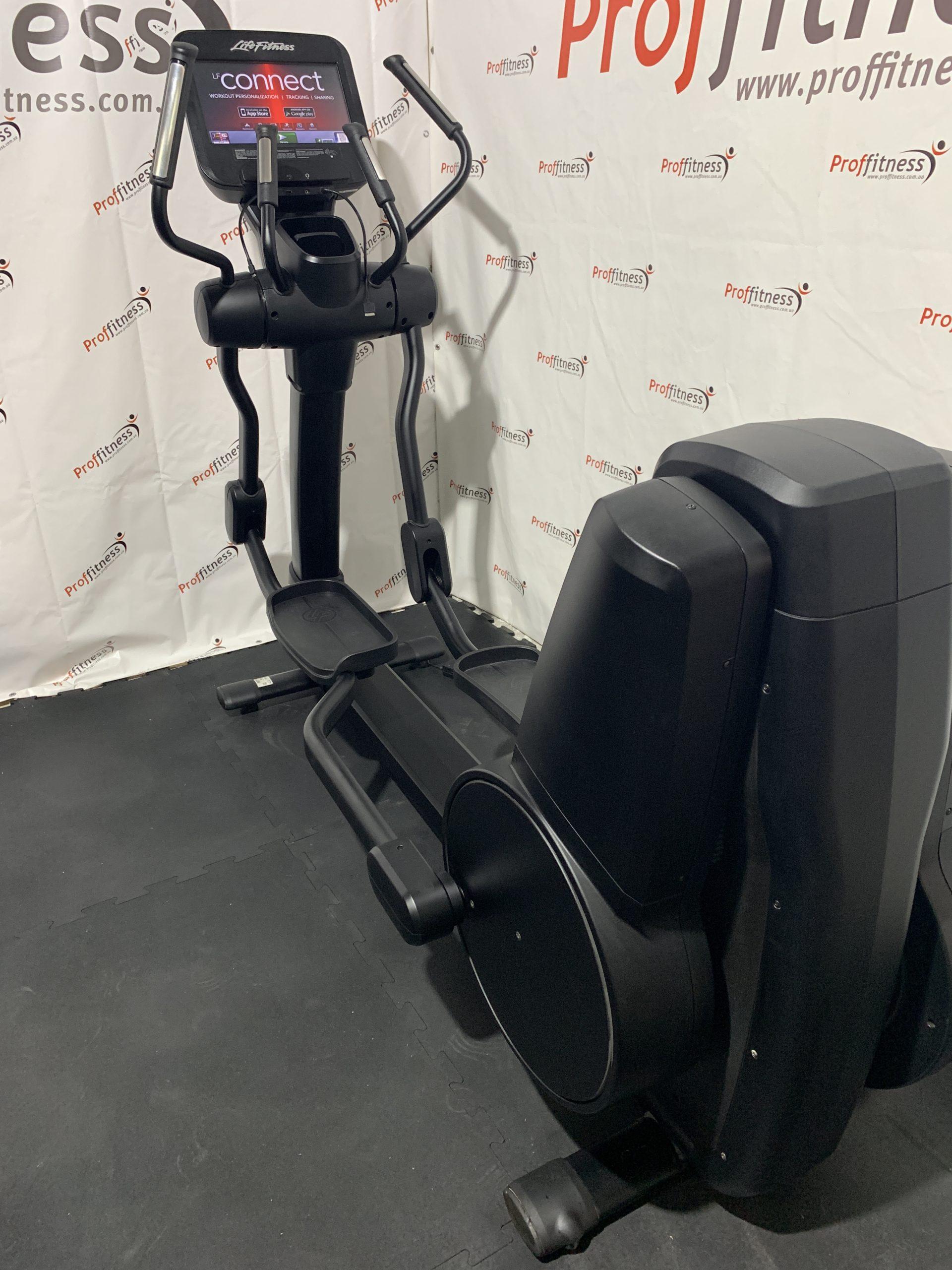 Профессиональный Эллиптический кросс-тренажер Life Fitness Discover SE Elevation