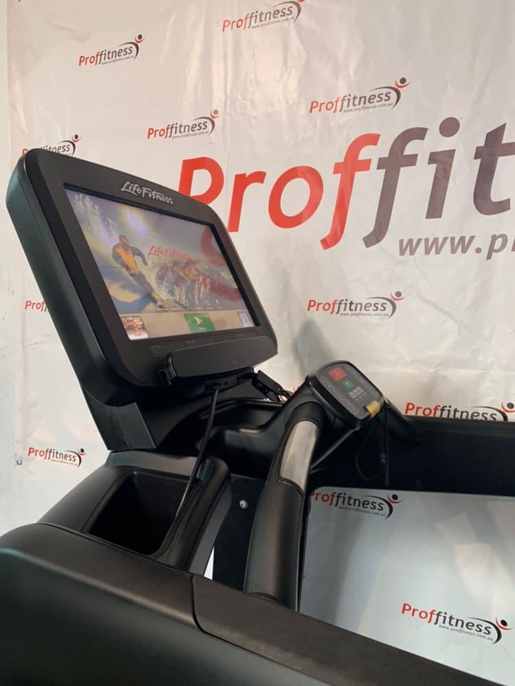 Профессиональная Беговая дорожка Life Fitness Discover SE